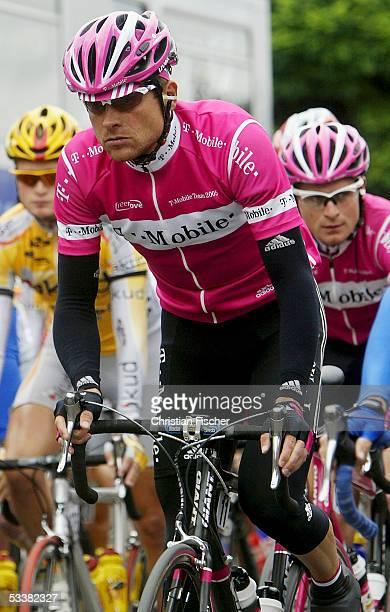 Jan Ullrich of Team TMobile starts the race during the cycling race 'Rund um die Hainleite' on August 13 2005 in Erfurt Germany