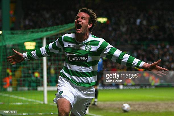 Jan Vennegoor of Hesselink of Celtic celebrates scoring the opening goal during the UEFA Champions League First Knockout Round First Leg match...