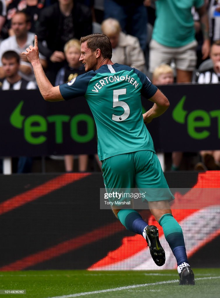 Jan Vertonghen of Tottenham Hotspur celebrates after scoring his team's first goal during the Premier League match between Newcastle United and Tottenham Hotspur at St. James Park on August 11, 2018 in Newcastle upon Tyne, United Kingdom.