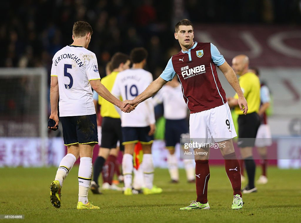 Jan Vertonghen of Tottenham Hotspur shakes hands with Sam Vokes of Burnley after the FA Cup Third Round match between Burnley and Tottenham Hotspur at Turf Moor on January 5, 2015 in Burnley, England.