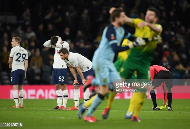 Jan Vertonghen, Troy Parrott and Oliver Skipp of Tottenham Hotspur look dejected after their teams defeat in the FA Cup Fifth Round match between...