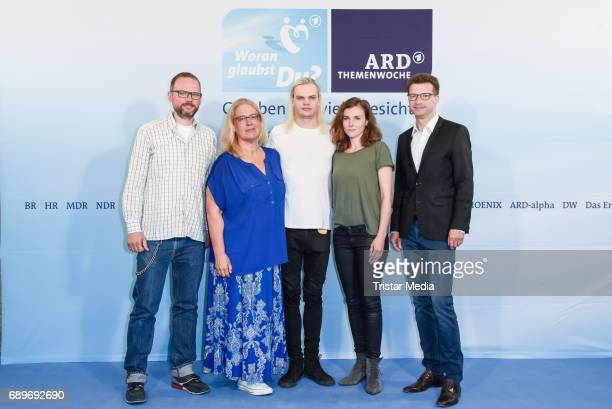 Jana Brandt Wilson Gonzalez Ochsenknecht Karin Hanczewski WolfDieter Jacobi and guest during the ARD Themenwoche 2017 'Woran glaubst Du' at Soho...