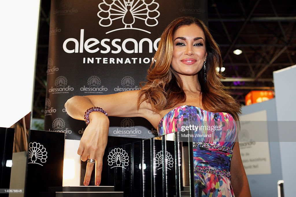 "Jana Ina Attends ""BEAUTY INTERNATIONAL Fair"" : News Photo"