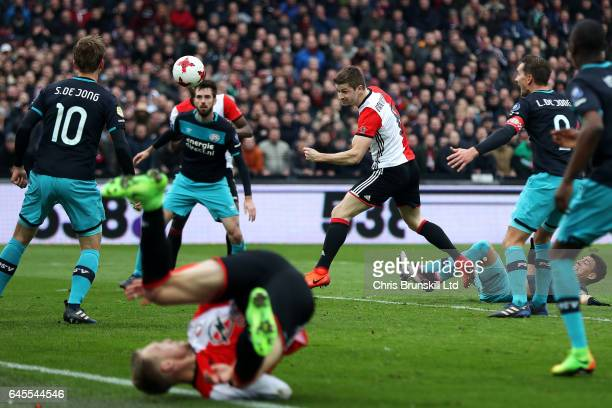 JanArie van der Heijden of Feyenoord heads his side's second goal during the Dutch Eredivisie match between Feyenoord and PSV Eindhoven at De Kuip on...