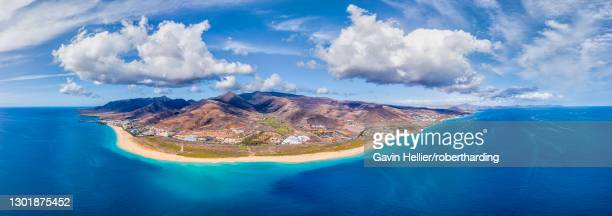 jandia peninsula, morro jable and playa del matorral, fuerteventura, canary islands, spain, atlantic, europe - gavin hellier stock pictures, royalty-free photos & images