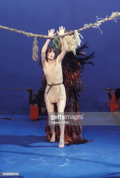 Jane Birkin lors d'une émission de télévision le 4 mai 1974 à Paris France