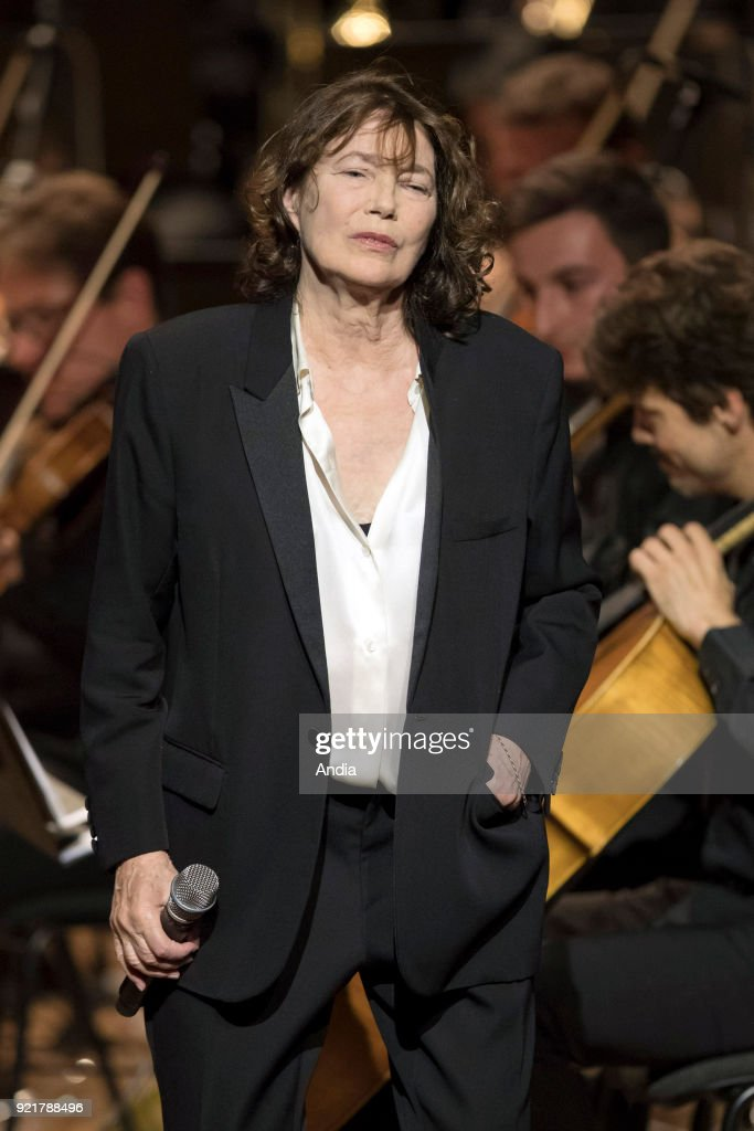 Jane Birkin on stage on the occasion of the 'Gainsbourg Symphonique' concert. : News Photo