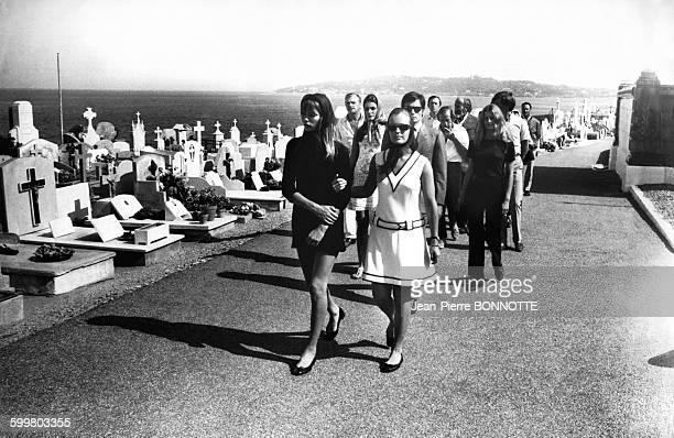 Jane Birkin Romy Schneider et Alain Delon lors du tournage du film 'La Piscine' de Jacques Deray en 1968