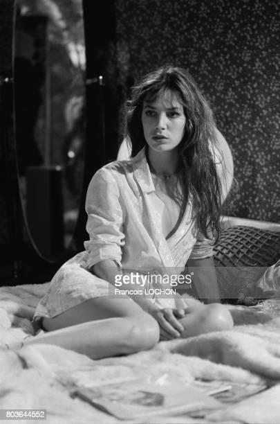 Jane Birkin sur le tournage du film 'La course à l'échalotte' réalisé par Claude Zidi à Paris en 1975 en France
