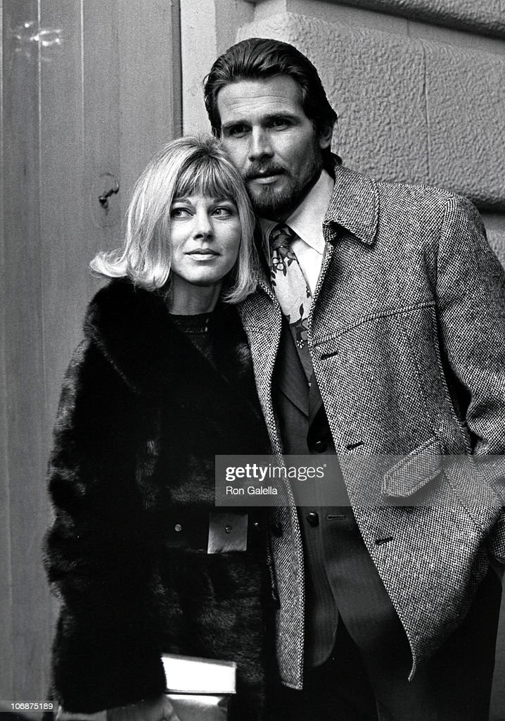 James Brolin and Jane Cameron Agee at The Copacabana in New York City - March 1, 1971 : News Photo