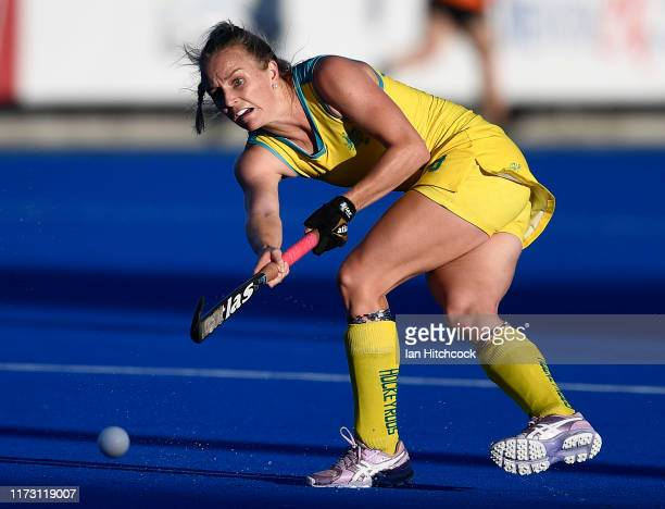 Jane Claxton of Australia passes the ball during the 2019 Oceania Cup match between the Australian Hockeyroos and New Zealand Blacksticks at Birdwood...