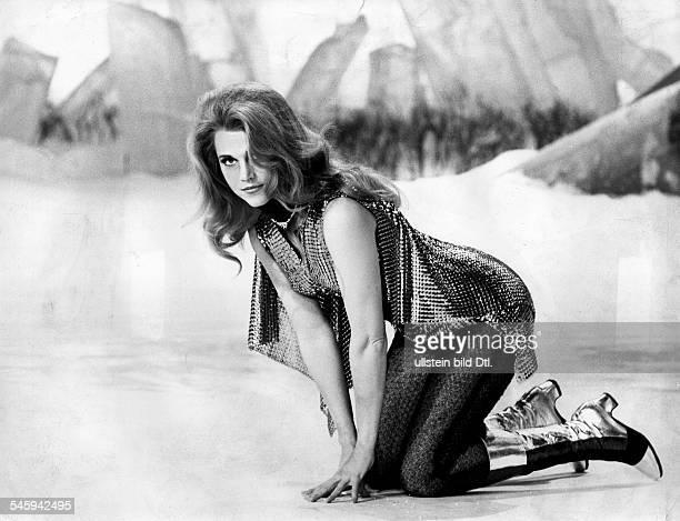 Jane Fonda * Actress USA in Barbarella Director Roger Vadim 1967