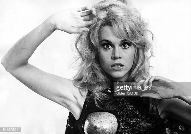 Jane Fonda * actress USAas Barbarella 1967