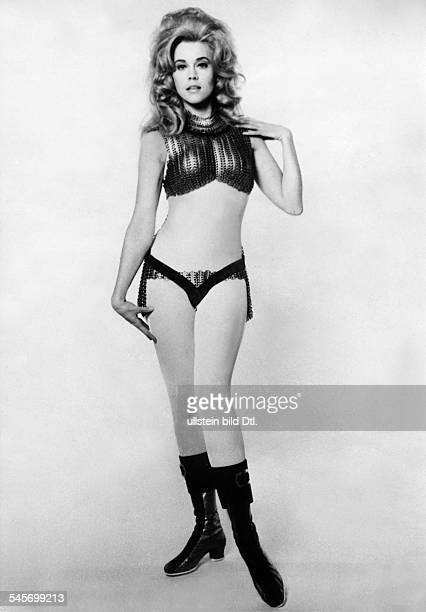 Jane Fonda * actress USAin the movie BarbarellaDirector Roger Vadim 1967