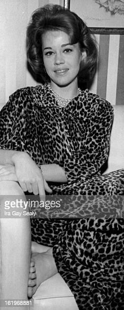 APR 1959 APR 12 1960 Jane Fonda New star in the theater