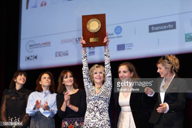 Jane Fonda poses with The Prix Lumiere 2018 next to Nolwenn Leroy Suzanne Clement Anais Demoustier Dominique Blanc Anne Consigny during the Prix...