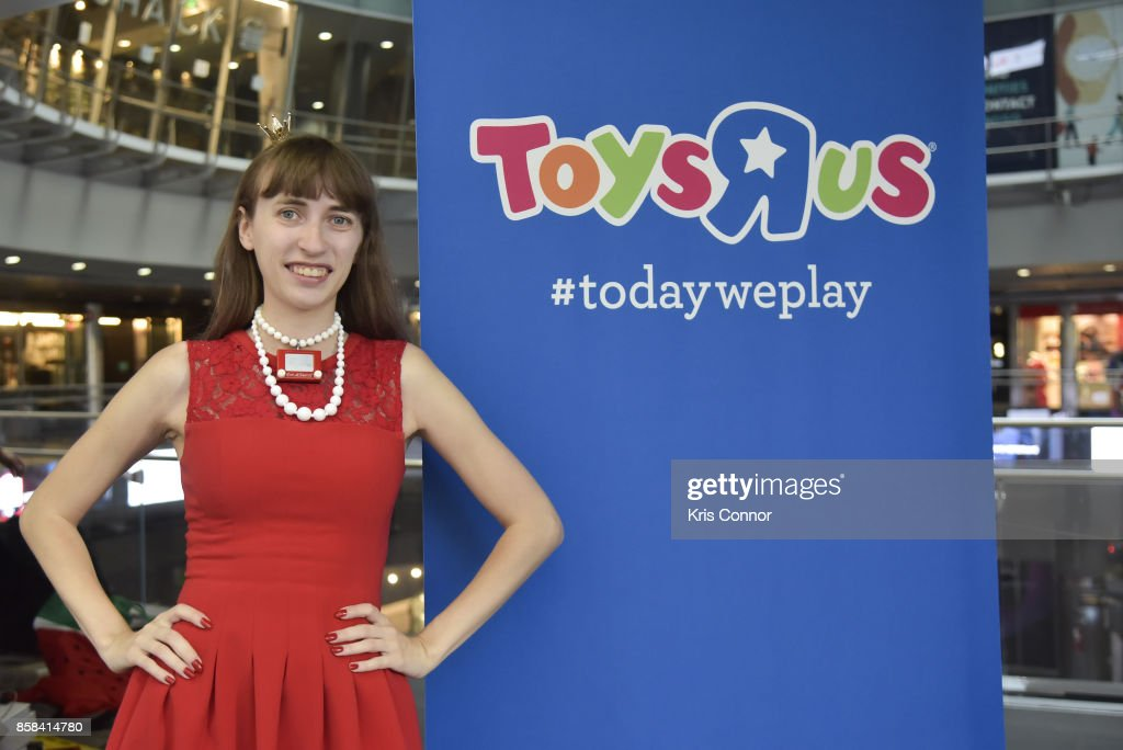 Jane Labowitch aka Princess Etch A Sketch plays with a giant Etch A Sketch during the 'Toys 'R' Us Takes Over Fulton Street Subway Station with Giant Etch A Sketch,' event at Fulton Center on October 6, 2017 in New York City.