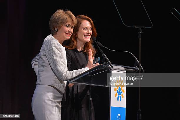 Jane Pauley and Julianne Moore speak onstage atthe 2014 Children's Health Fund annual gala on June 9 2014 in New York City