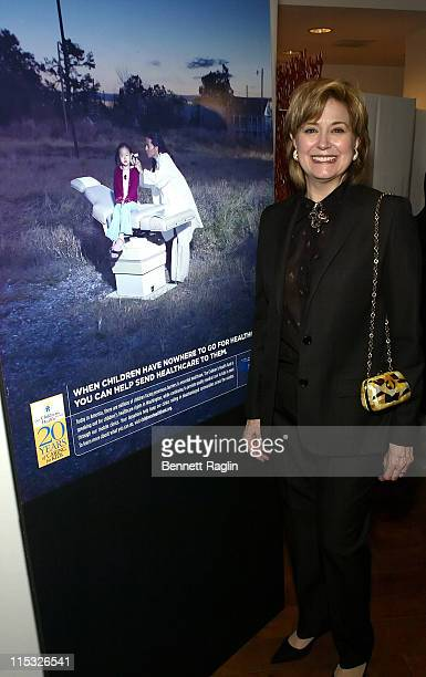 Jane Pauley during Paul Simon Hosts the 20th Anniversary of the Children's Health Fund January 25 2007 at Edin Fine Art Gallery in New York City New...