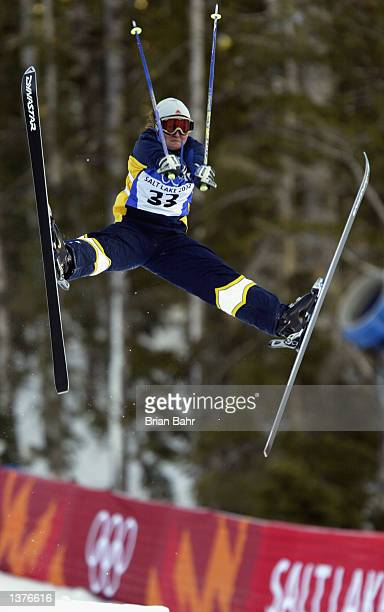 Jane Sexton of Australia competes during the qualifying round of the women's moguls during the Salt Lake City Winter Olympic Games on February 9 2002...