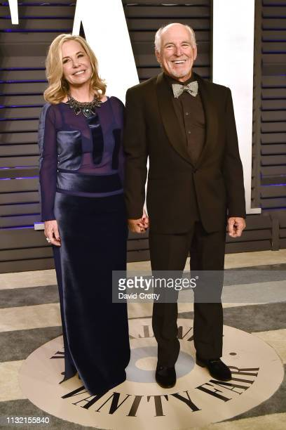 Jane Slagsvol and Jimmy Buffett attend the 2019 Vanity Fair Oscar Party at Wallis Annenberg Center for the Performing Arts on February 24 2019 in...