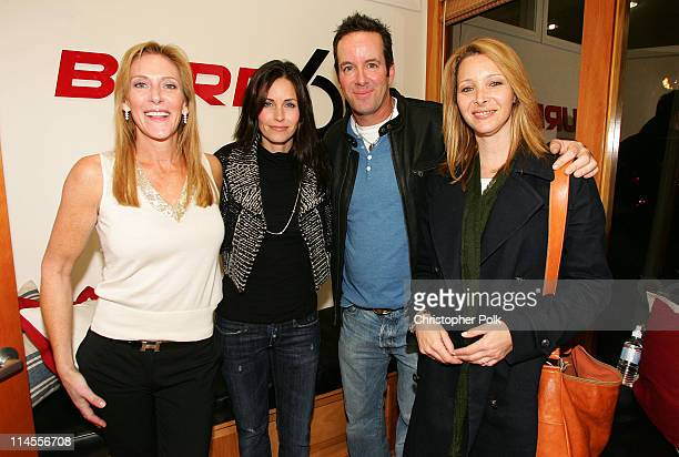 Janet Crown Peterson Courteney CoxArquette Drew Gerstein and Lisa Kudrow *Exclusive*