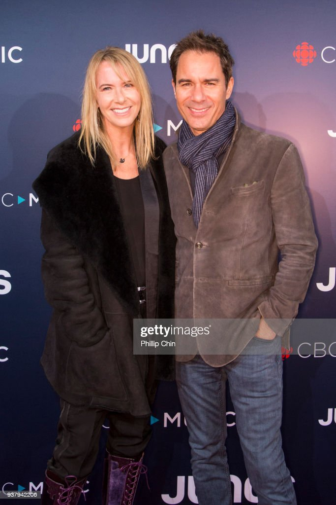 Janet Holden and Eric McCormack attend the red carpet arrival at the 2018 Juno Awards at Rogers Arena on March 25, 2018 in Vancouver, Canada.