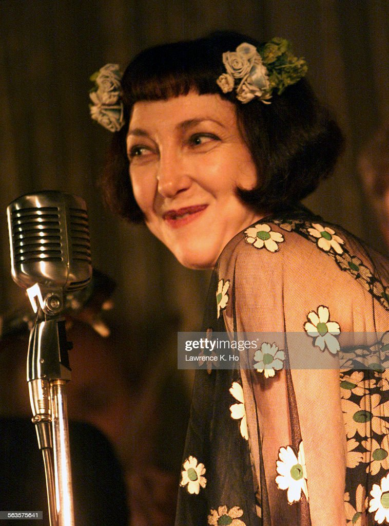 Janet Klein sings her obscure, naughty and love songs from the 1910s