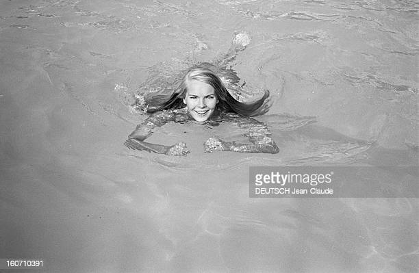 Janet Landgard In Paris Paris 11 septembre 1966 Portrait de Janet LANDGARD partenaire de Burt LANCASTER dans 'The swimmer' nageant