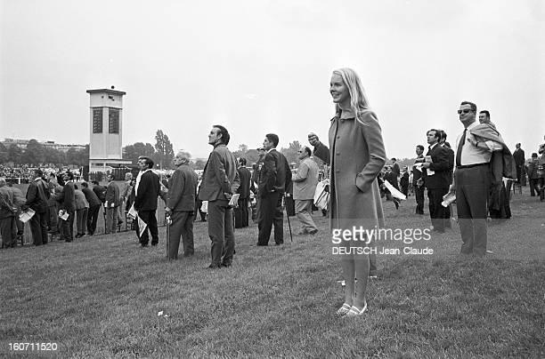 Janet Landgard In Paris Paris 11 septembre 1966 Portrait de Janet LANDGARD partenaire de Burt LANCASTER dans 'The swimmer' sur un champ de courses