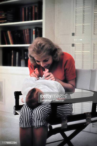 Janet Leigh at home with daughter Kelly Curtis on August 4, 1956 in Los Angeles, California .