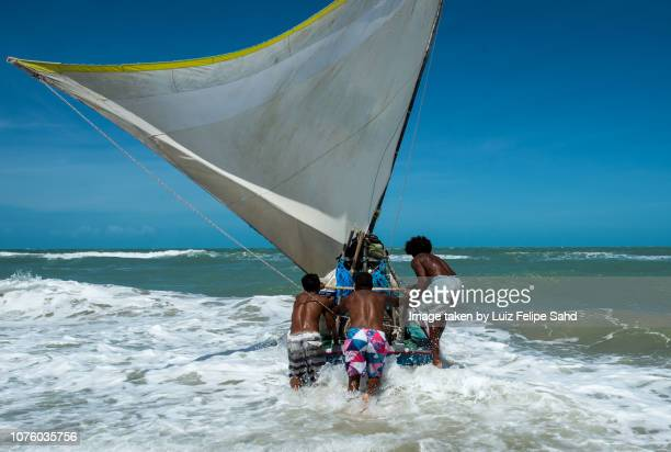 jangada on canoa quebrada beach - canoa quebrada imagens e fotografias de stock