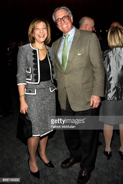 Janice Kaplan and Peter Workman attend PARADE MAGAZINE and SI Newhouse Jr honor Walter Anderson at The 4 Seasons Grill Room on March 31 2009 in New...