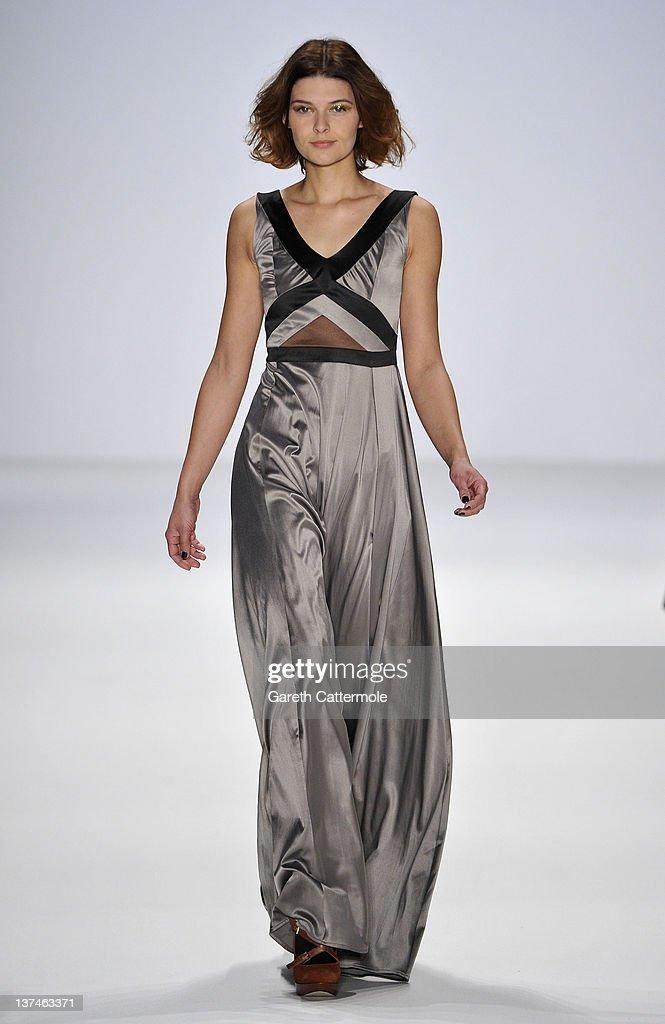 Marcel Ostertag Show - Mercedes-Benz Fashion Week Berlin Autumn/Winter 2012 : Nachrichtenfoto