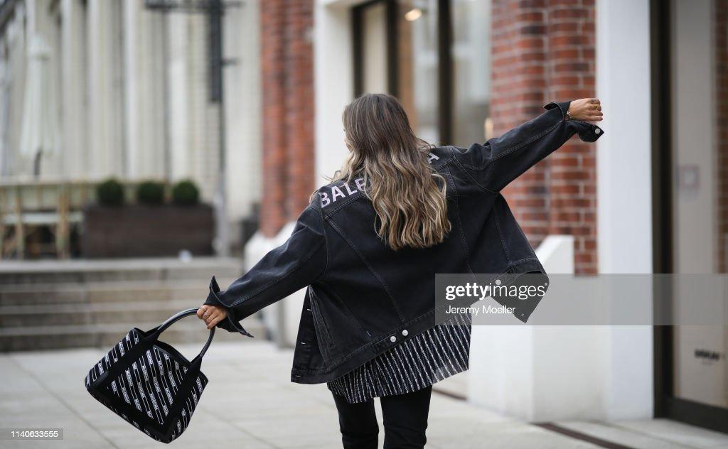 Street Style - Hamburg - April 05, 2019 : News Photo