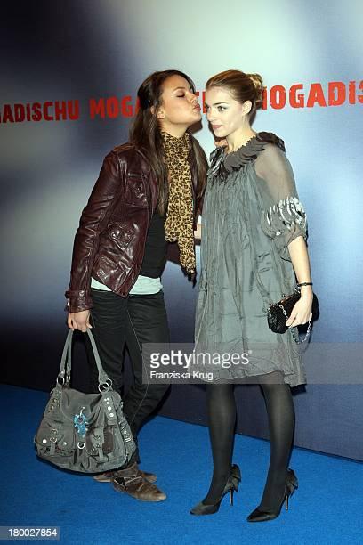 Janina Uhse Und Anne Menden Bei Der Premiere Des Ard Films 'Mogadischu' Im Sony Center In Berlin