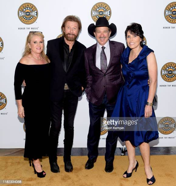 Janine Dunn Ronnie Dunn and Kix Brooks of Brooks Dunn and Barbara Brooks attend the 2019 Country Music Hall of Fame Medallion Ceremony at Country...