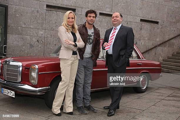 Janine Kunze Kai Schumann und Timo Dierkes in der neuen ZDF Serie Heldt beim Fototermin in Köln
