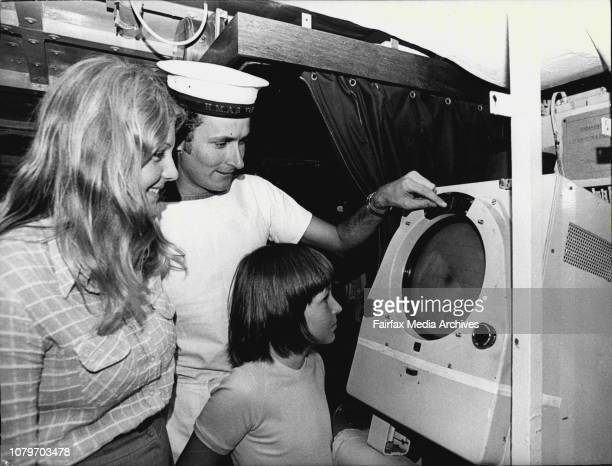 Janis Kennedy 15 amp Gregory Ted 11 being shown the ships Radar how it worksby Alan Tait ABRPThe Destroyer Escort HMAS Yarra of the 3rd Aust...