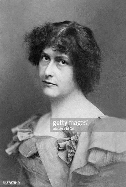 Janitschek Marie Writer Germany / Austria *22071859 nee Toelk Portrait undated around 1899 Photographer Wilhelm Fechner Vintage property of ullstein...