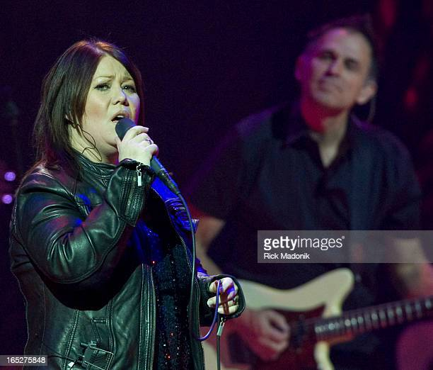 1/27/10 TORONTO ONTARIO Jann Arden performs at Massey Hall Rick Madonik/Toronto Star