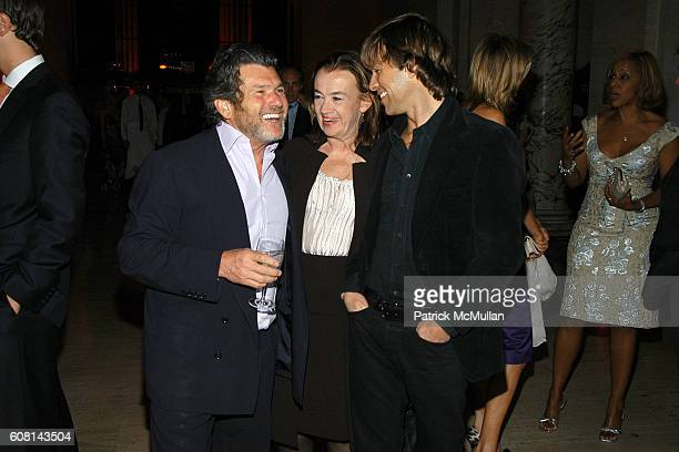 Jann Wenner Judy McGrath and Matt Nye attend VANITY FAIR Tribeca Film Festival Party hosted by GRAYDON CARTER and ROBERT DE NIRO at The State Supreme...