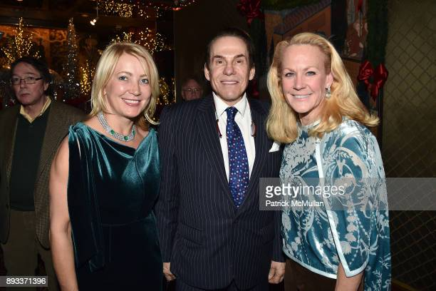 Janna Bullock R Couri Hay and Muffie Potter Aston attend A Christmas Cheer Holiday Party 2017 Hosted by George Farias Anne and Jay McInerney at The...