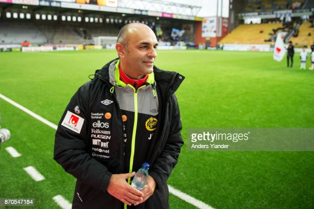 Janne Mian head coach of IF Elfsborg looks on prior to the Allsvenskan match between IF Elfsborg and IFK Norrkoping at Boras Arena on November 5 2017...