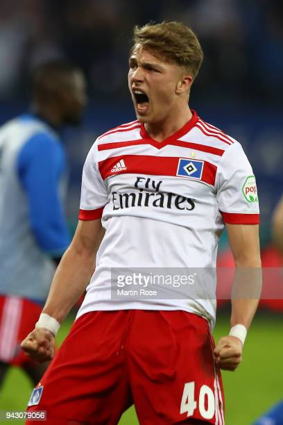 JannFiete Arp of Hamburg celebrates after the Bundesliga match between Hamburger SV and FC Schalke 04 at Volksparkstadion on April 7 2018 in Hamburg...