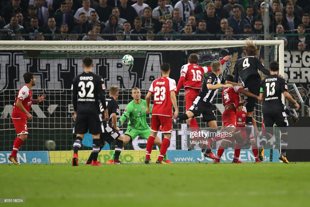 Jannik Vestergaard of Moenchengladbach (4) scored a header goal to make it 1:1 during the Bundesliga match between Borussia Moenchengladbach and 1. FSV Mainz 05 at Borussia-Park on November 4, 2017 in Moenchengladbach, Germany.