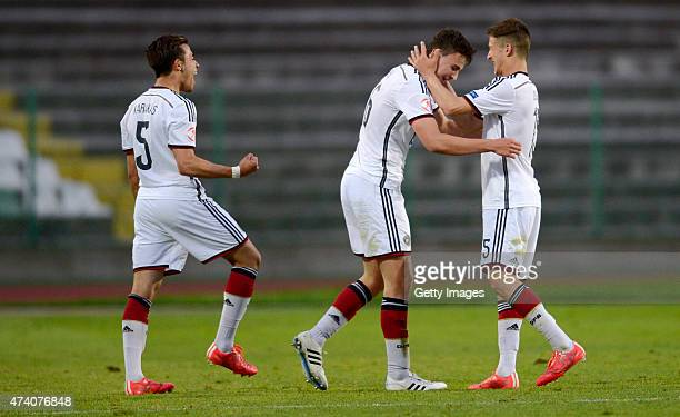 JanniLuca Serra of Germany U17 celebrates after scoring against Russia U17 during the UEFA European Under17 Championship Semi Final match between...