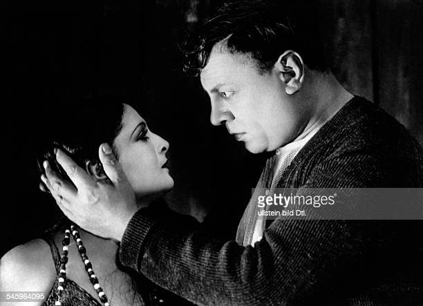 Jannings Emil Actor Germany *23071884 Scene from the movie 'Variete' with Lya de Puti Directed by Ewald Andre Dupont Germany 1925 Produced by...