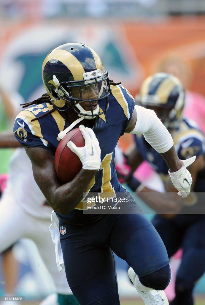 St. Louis Rams v Miami Dolphins : News Photo