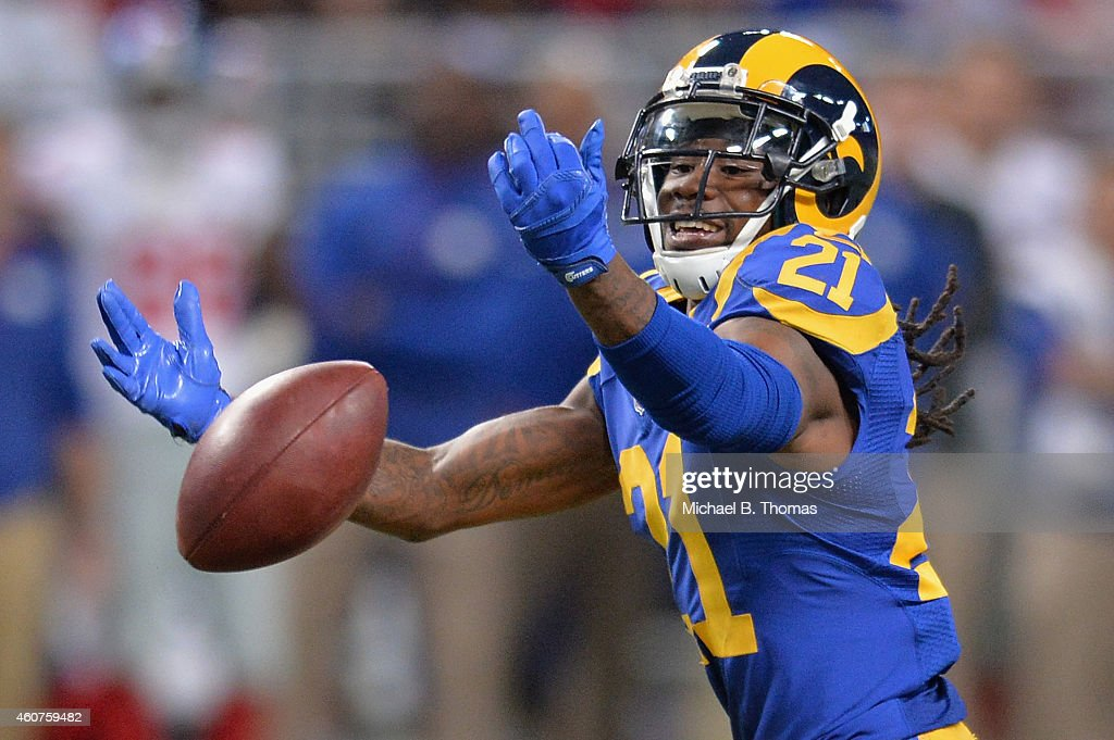 Janoris Jenkins #21 of the St. Louis Rams drops what would an fourth quarter interception against the New York Giants at the Edward Jones Dome on December 21, 2014 in St. Louis, Missouri.